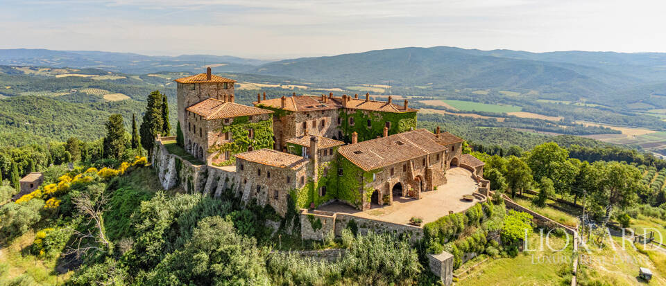 Charming Medieval castle in Tuscany Image 1