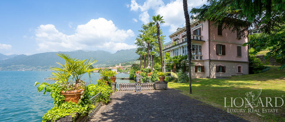 Exclusive lake-front estate by Lake Iseo Image 1