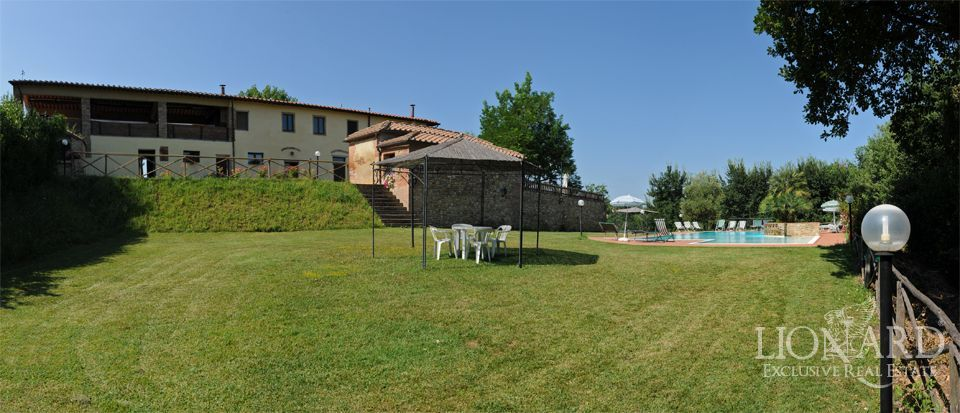 italian villas for sale farmhouse in tuscany