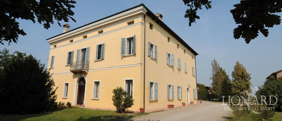 real estate emilia romagna villa in italy