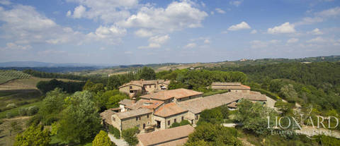estate for sale in chianti jp