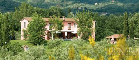 luxury farmhouse for sale tuscany