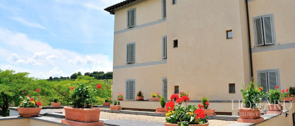 siena villa for sale in tuscany