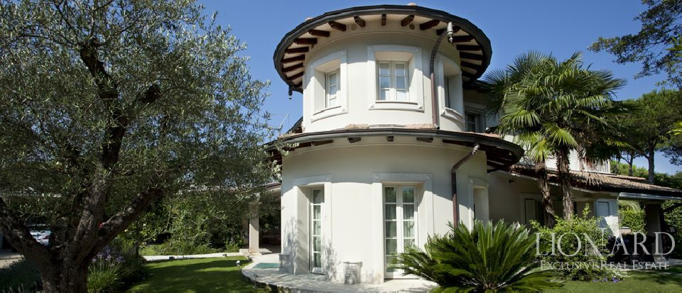 luxury villa for sale in forte dei marmi italy