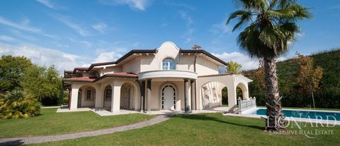 forte dei marmi exclusive villa for sale jp