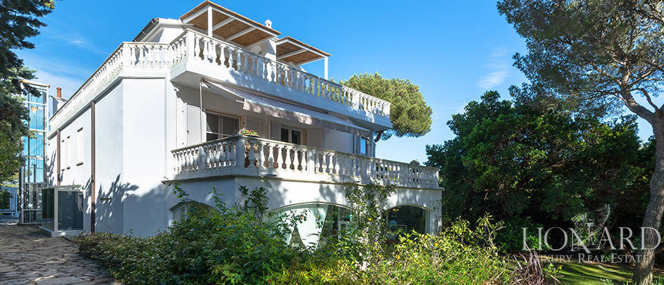 luxury villa for sale on the sea of tuscany