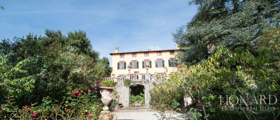 ko luxury villa for sale in lucca