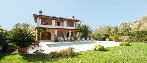 luxurious villa for sale in forte dei marmi