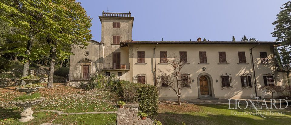 Historic Villa For Sale In Florence With Garden | Lionard