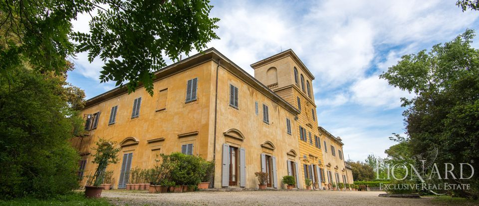 prestigious villa for sale in florence r0868