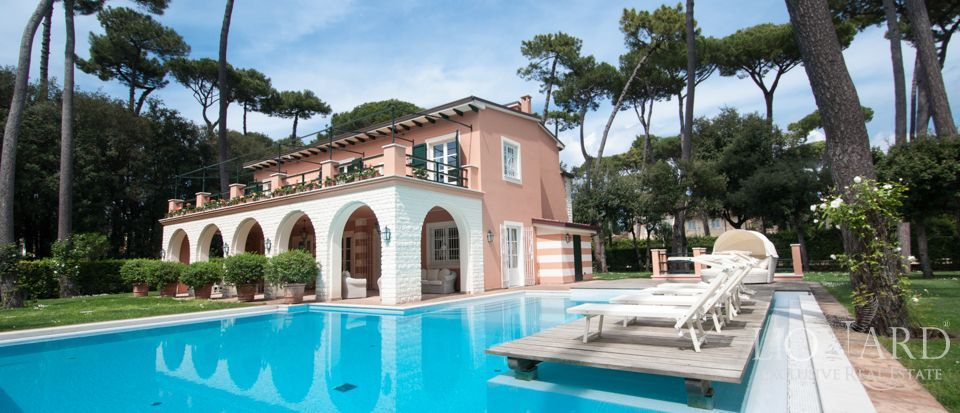 FORTE DEI MARMI, LUXURY VILLA FOR SALE Image 1