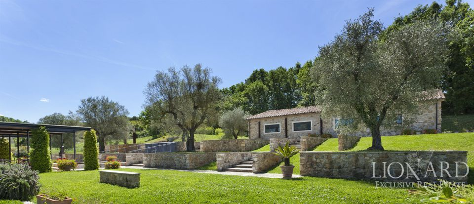 PRESTIGIOUS FARM FOR SALE IN TUSCANY Image 1