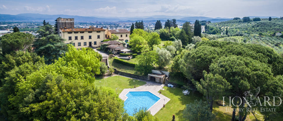 splendid historic villa for sale in florence