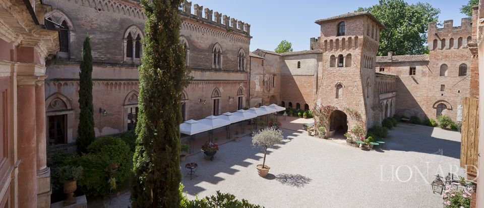 Magnificent Castle For Sale In Lombardy | Lionard
