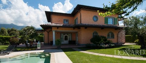 ko luxury villa for sale in forte dei marmi 1