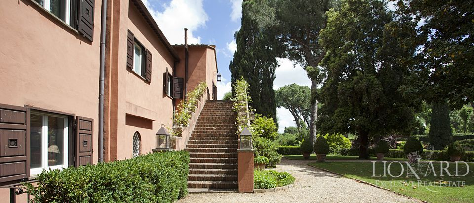 LUXURY VILLAS FOR SALE IN ROME Image 1