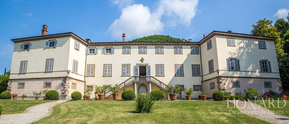 splendid historic villa for sale in lucca 1