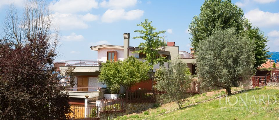 elegant tuscan villa for sale