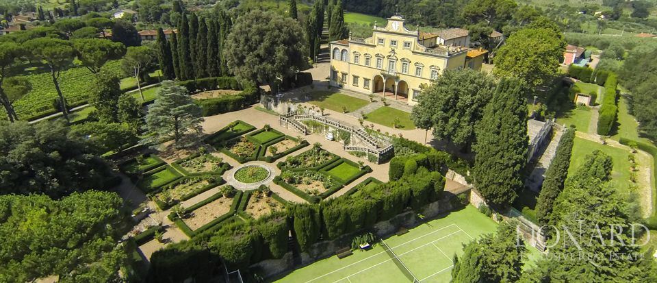 Villa Antinori di Monte Aguglioni, previously belonging to the Monna Lisa's family is for sale