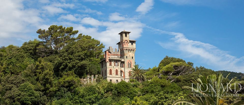 CASTLE FOR SALE IN LIGURIA Image 1