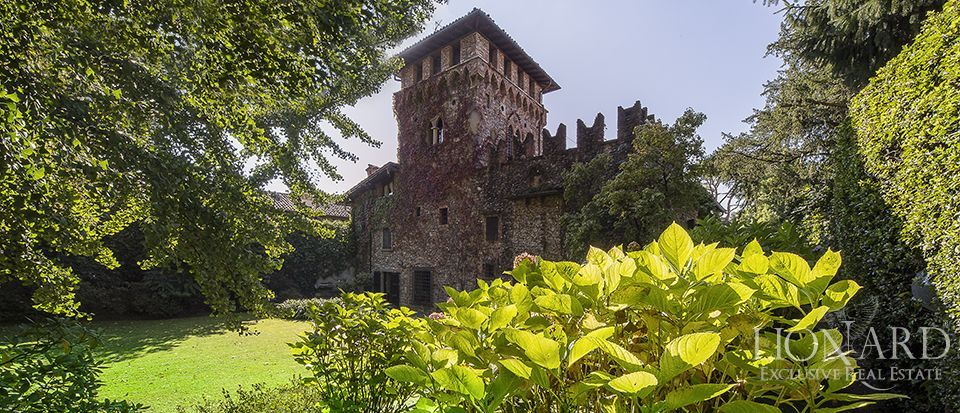 prestigious castle for sale in lombardy