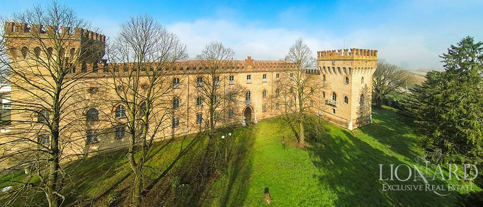 CASTLE FOR SALE IN EMILIA ROMAGNA Image 1