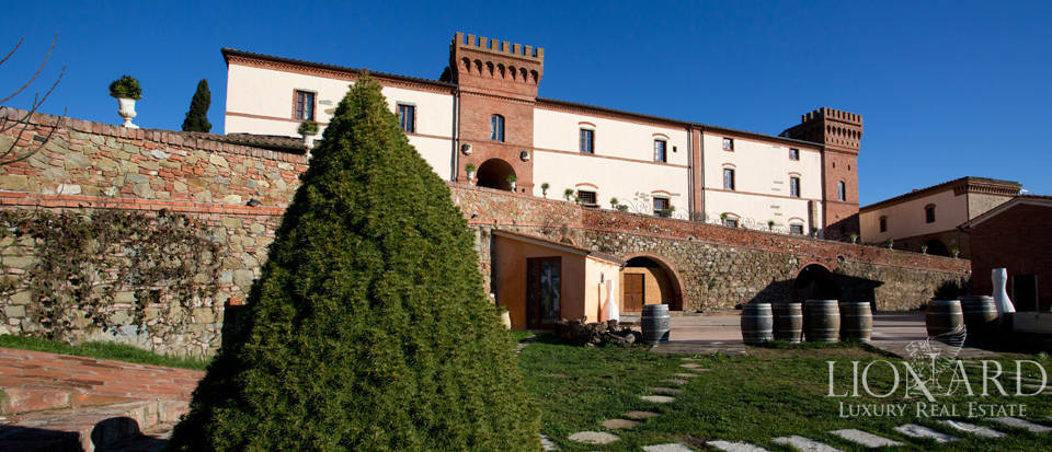 castle for sale in siena tuscany