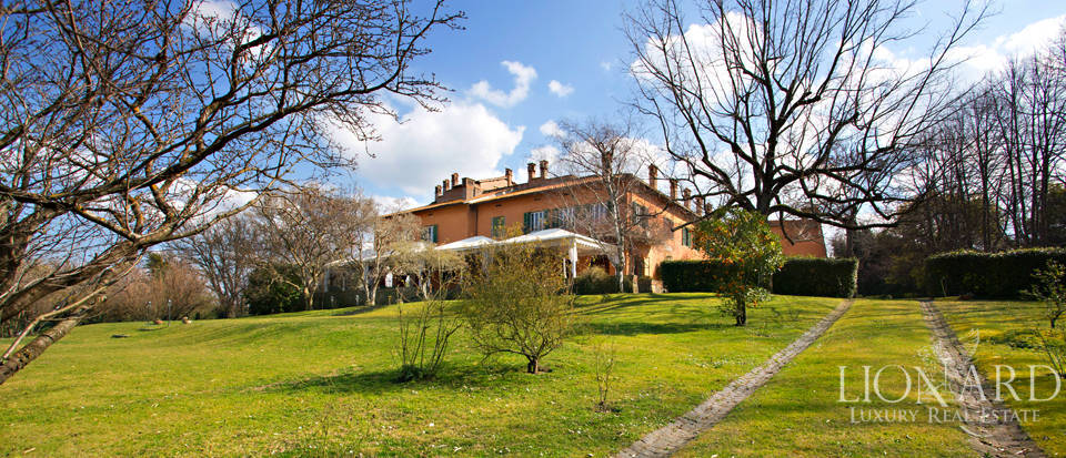 luxury villa in rome area castelli
