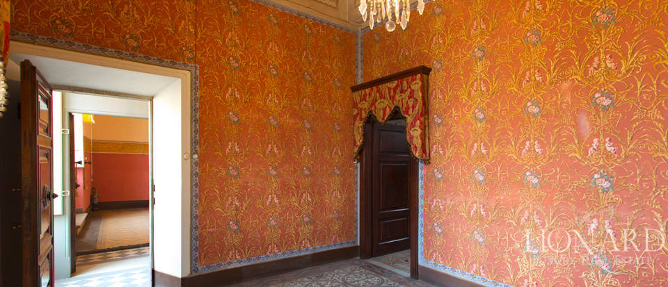 prestigious luxury apartment in lucca