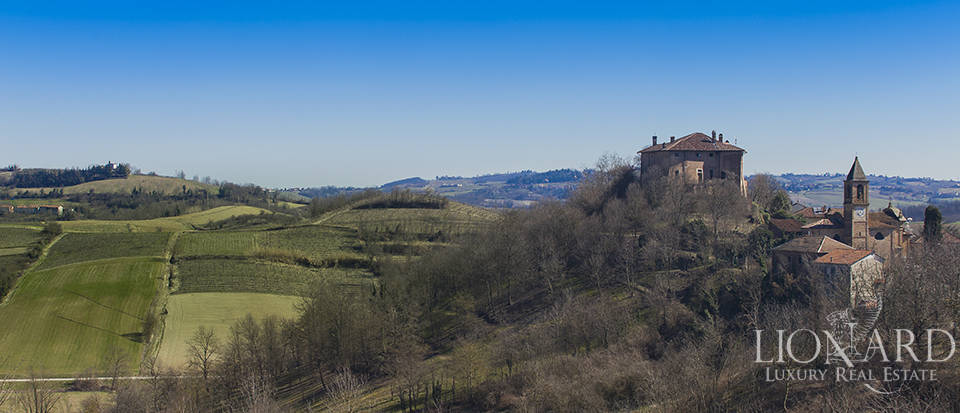 Splendid medieval castle for sale in Alessandria Image 1