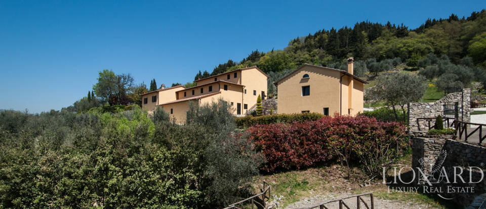 Luxurious Farmhouse with Pool for Sale in Prato  Image 1