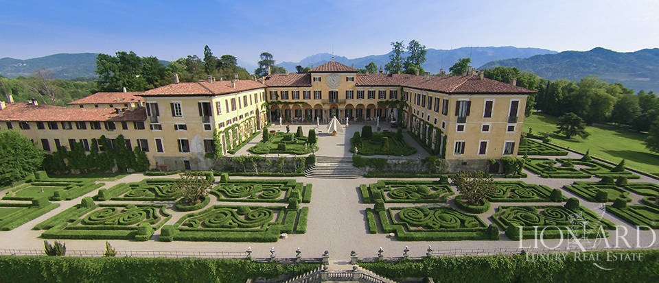 Magnificent Luxury Villa for Sale in Lombardy Image 1