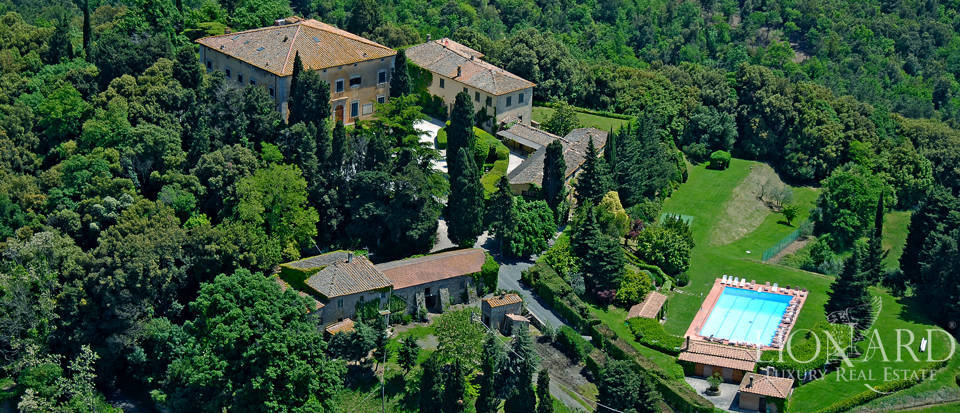 luxury period villa for sale in volterra