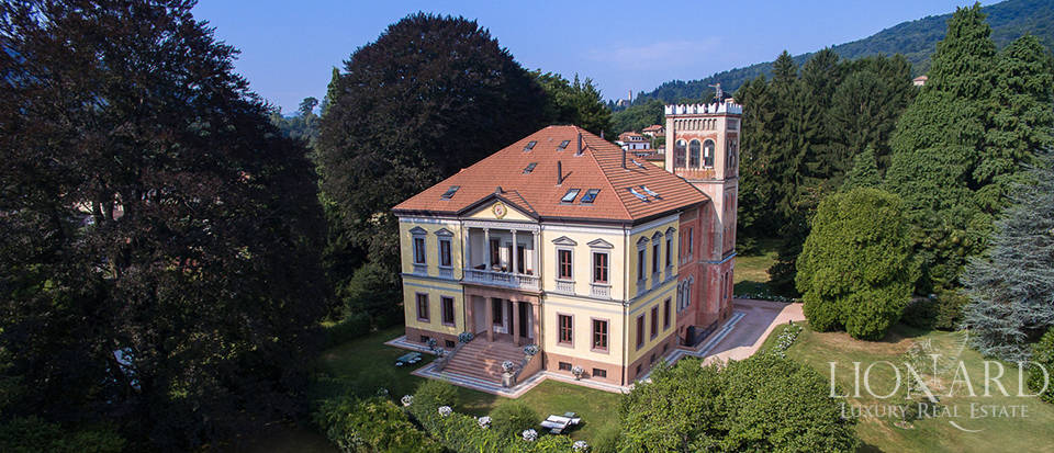 Luxurious Historic Building for Sale in Varese Image 1