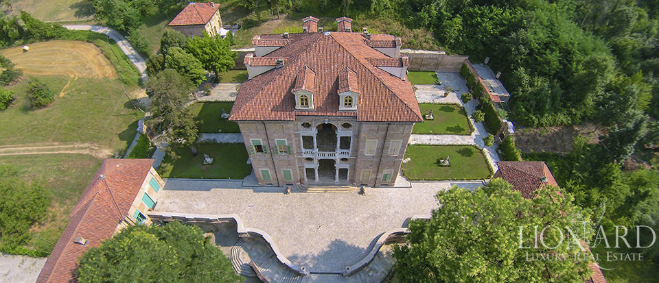 splendid luxury period villa in turin