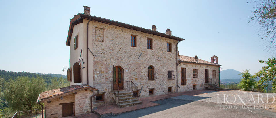 Historic Farmhouse for Sale Near Lucca Image 1