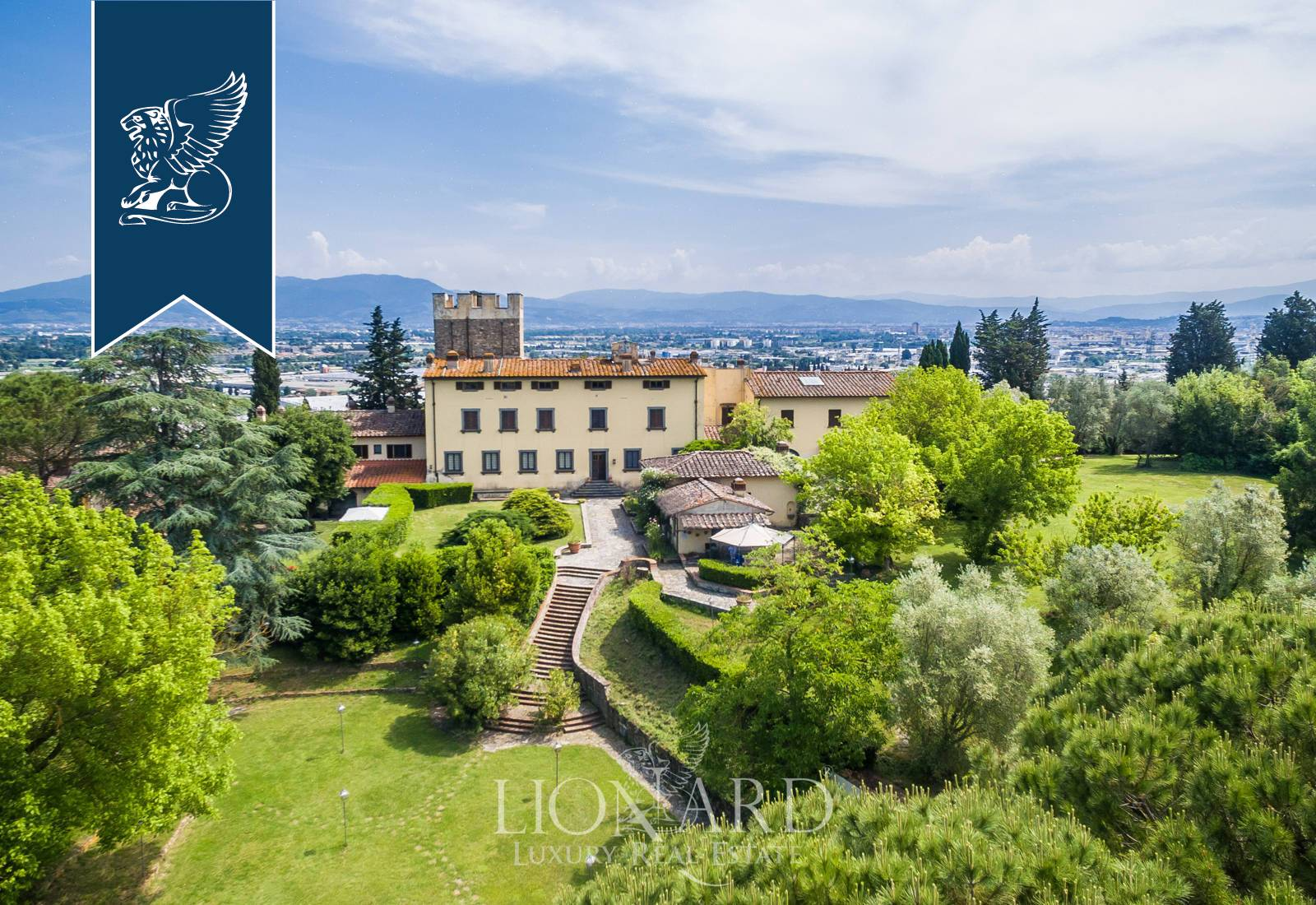 Villa in Vendita a Scandicci: 0 locali, 3400 mq - Foto 2