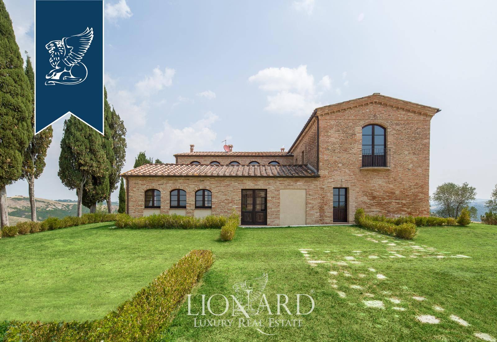 Villa in Vendita a Asciano: 890 mq