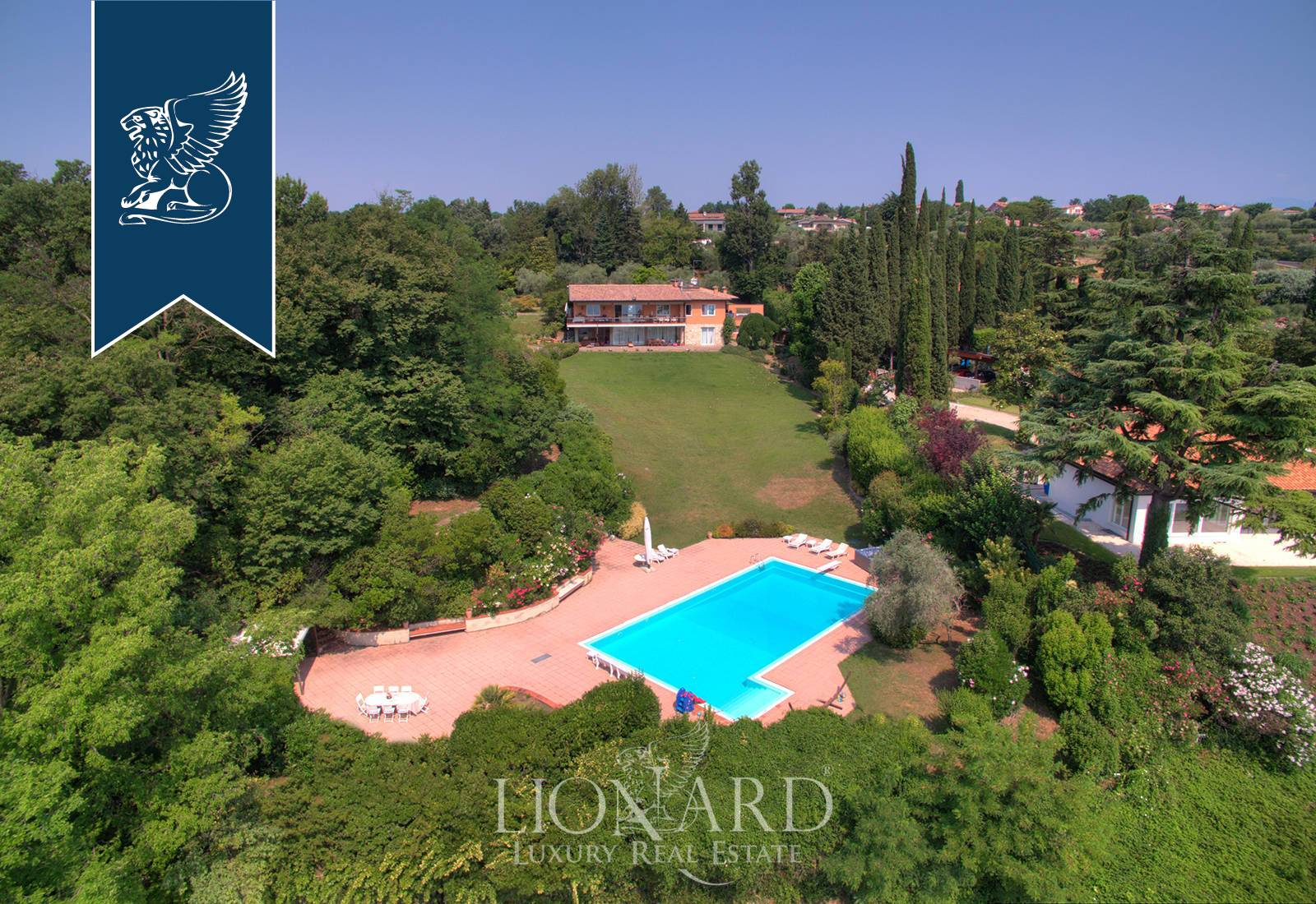 Villa in Vendita a Manerba Del Garda: 0 locali, 750 mq - Foto 2