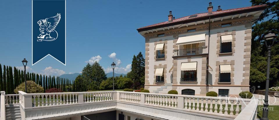 Villa in Vendita a Luino