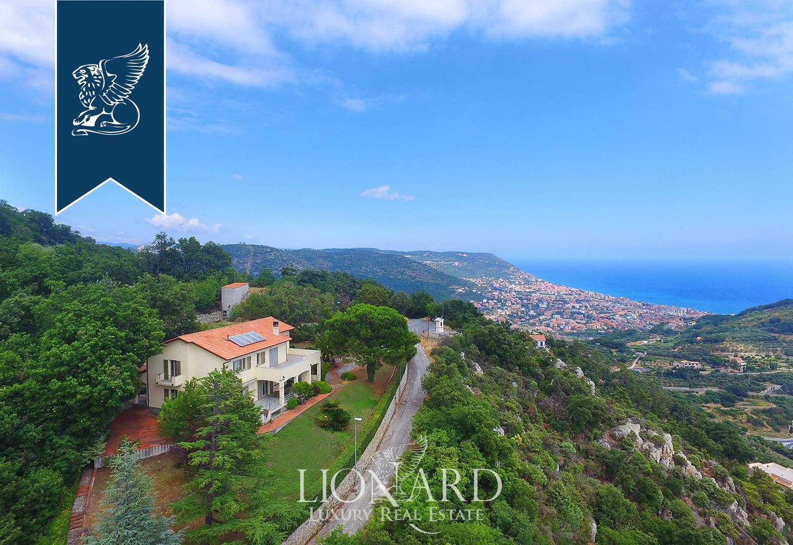 Villa in Vendita a Pietra Ligure: 500 mq  - Foto 1