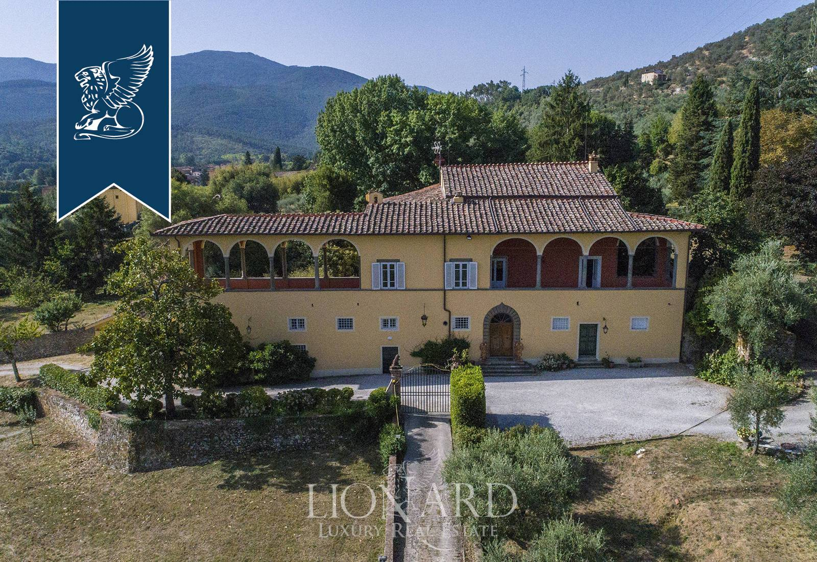Villa in Vendita a Lucca: 0 locali, 1400 mq - Foto 2