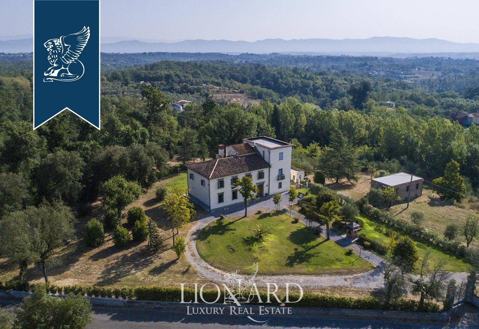 Villa in Vendita a Fucecchio: 750 mq