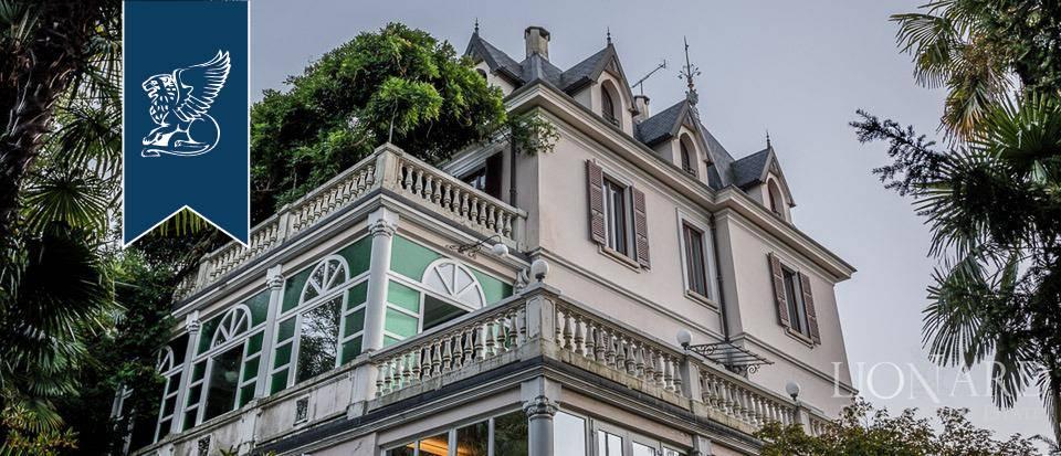Villa in Vendita a Luino: 800 mq