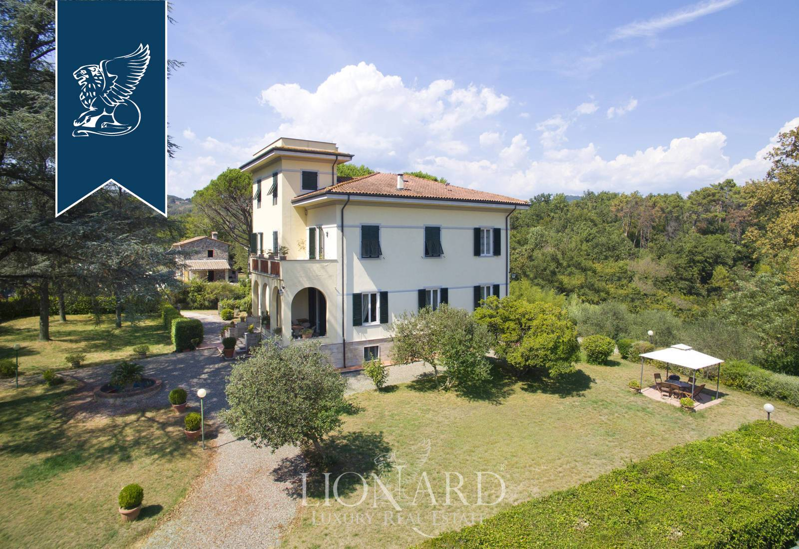 Villa in Vendita a Lucca: 0 locali, 600 mq - Foto 2