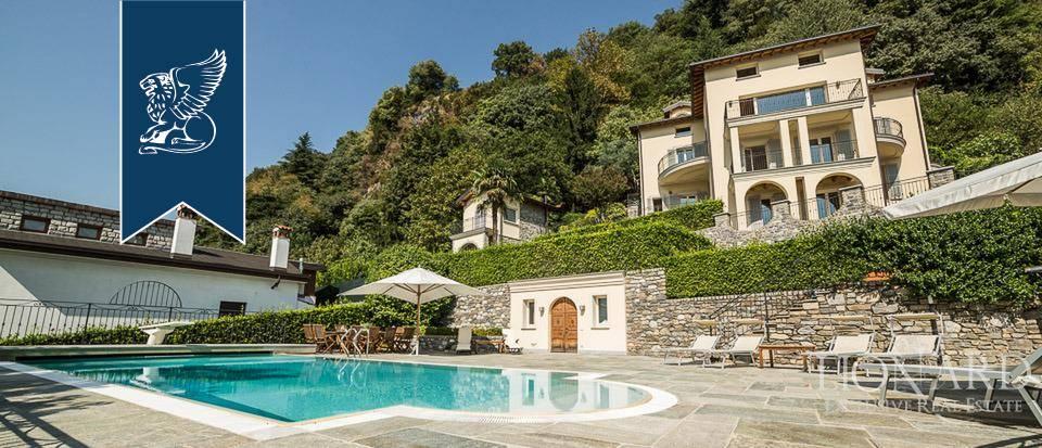 Villa in Vendita a Domaso