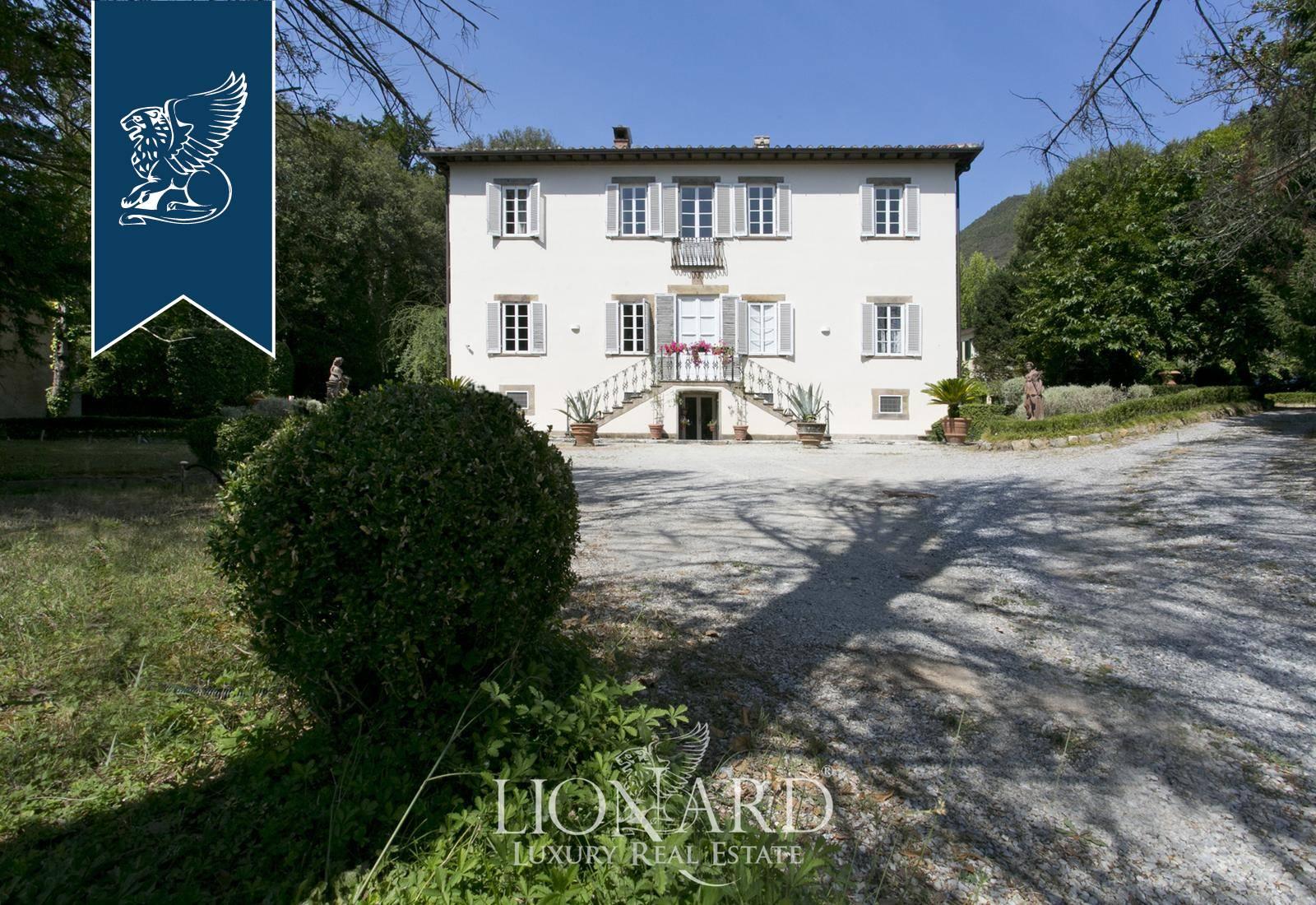 Villa in Vendita a Lucca: 0 locali, 900 mq - Foto 1