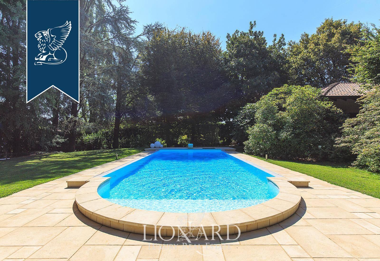 Villa in Vendita a Somma Lombardo: 0 locali, 300 mq - Foto 1