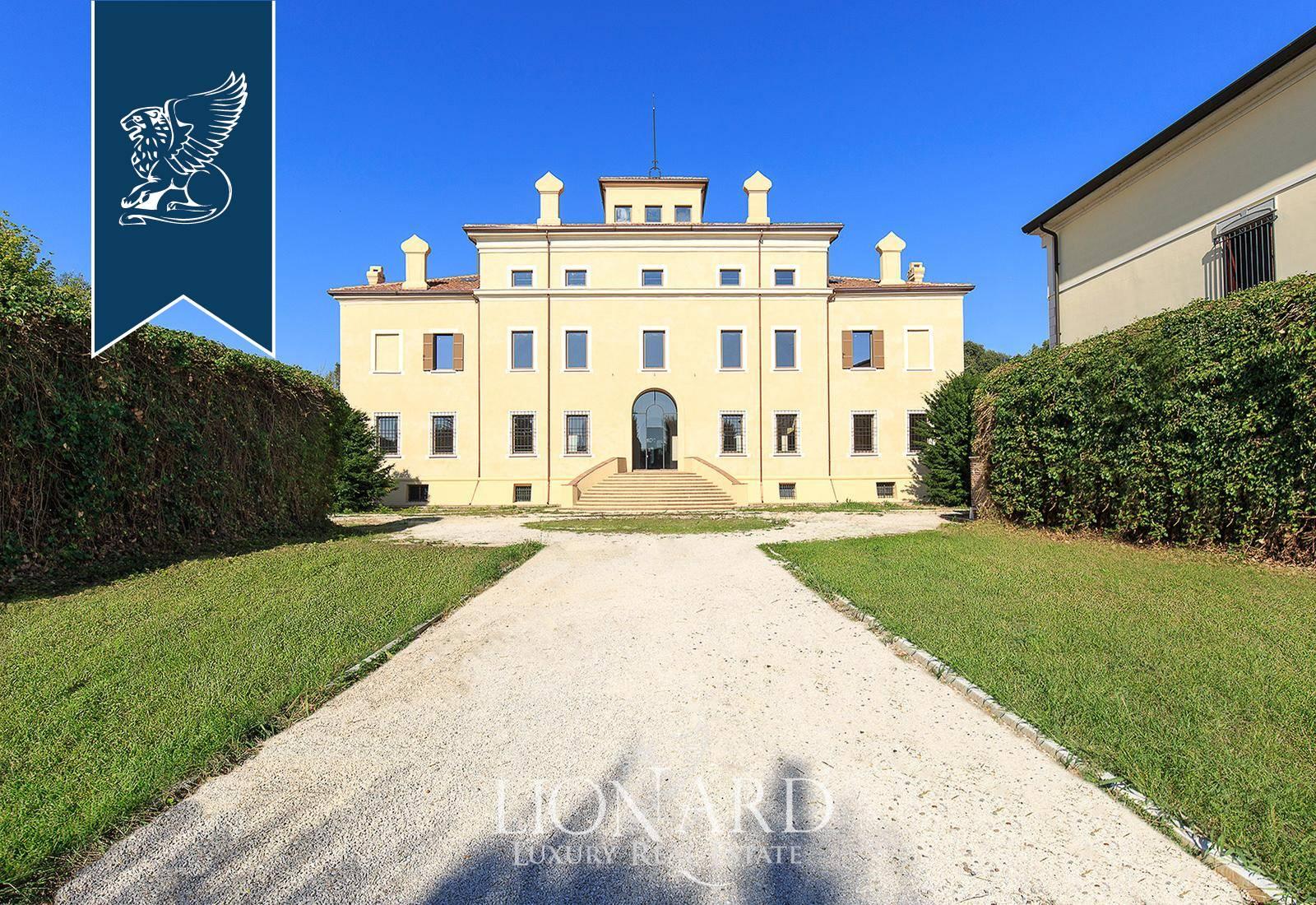 Villa in Vendita a Gonzaga: 0 locali, 2500 mq - Foto 1
