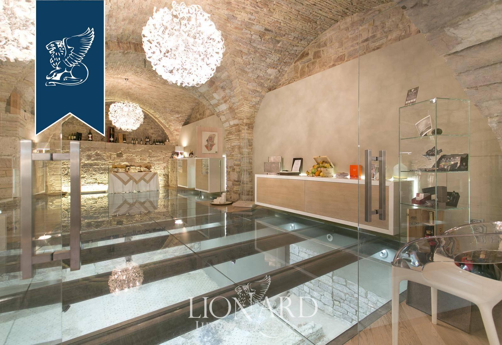 Palazzo in Vendita a Assisi: 0 locali, 1000 mq - Foto 2